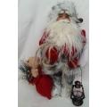 Красива статична кукла - Дядо Коледа с фенер и чувал