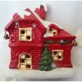 Коледна, керамична къщичка с диоди и звънчета