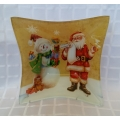 Весела чиния за Коледа със снежен човек и Дядо Коледа